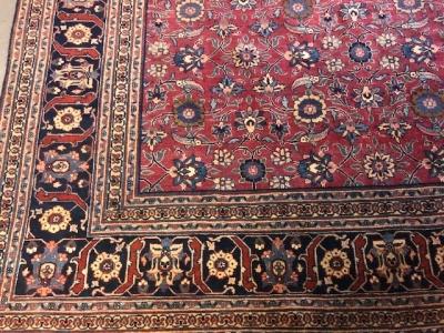 Antique Persian Turkbuff Meshed size 3.80m x 2.77m (close up)