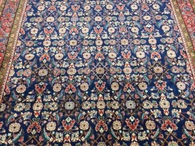Fine Persian Mahal carpet