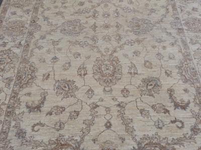 A fine soft Frontier Ziegler rug size 2.68m x 1.84m