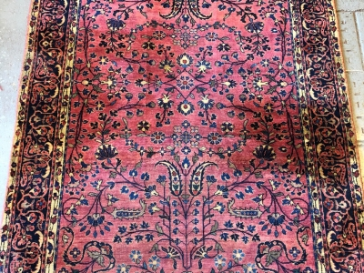 Antique Persian Sarouk size 2.02m x 1.30m