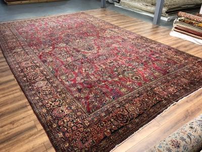 Antique Persian Sarouk carpet size 5.39m x 3.30m
