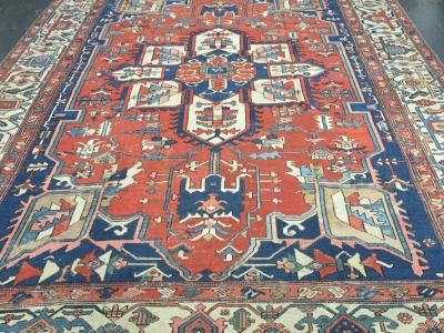 Antique Persian Heriz carpet size 3.85m x 2.80m