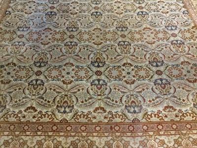 Old Persian Kashan carpet 4.46m x 3.30m