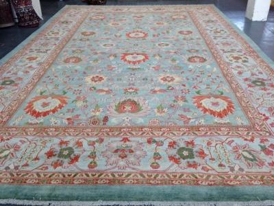 Persian Mahal carpet 5.86m x 3.68m