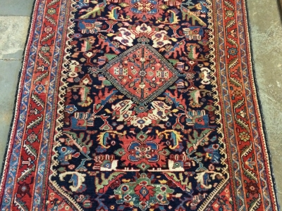 Fine old Persian Mahal rug size 1.98m x 1.34m